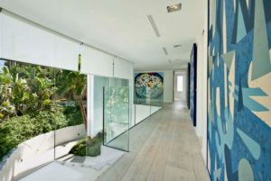 12-contemporary-hallway-600x401